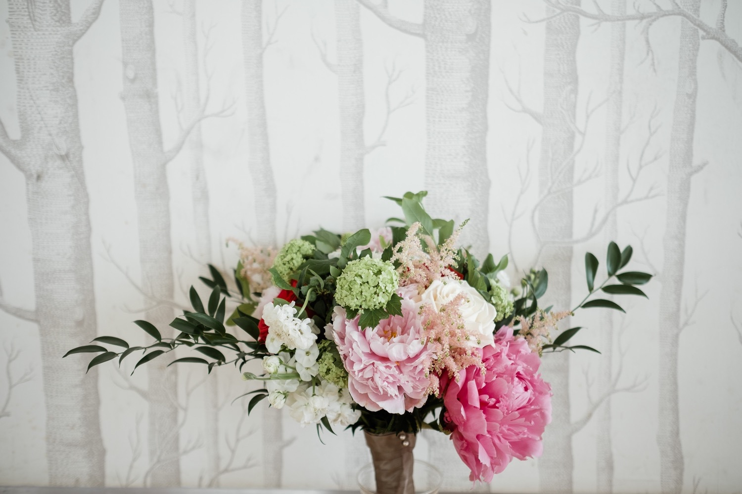 The Garrison Wedding, The Garrison venue, Hudson Valley wedding, hudson valley wedding photographer, catskills wedding photographer, the garrison wedding photos, best catskills wedding photographer, pink florals, floral inspo, green pink florals