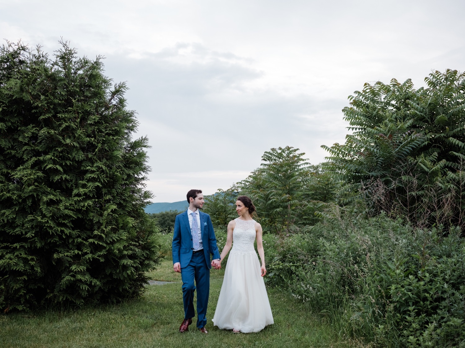 The Garrison Wedding, The Garrison venue, Hudson Valley wedding, hudson valley wedding photographer, catskills wedding photographer, the garrison wedding photos, best catskills wedding photographer, wedding poses, wedding photo inspiration, bride and groom ideas, wedding photo ideas