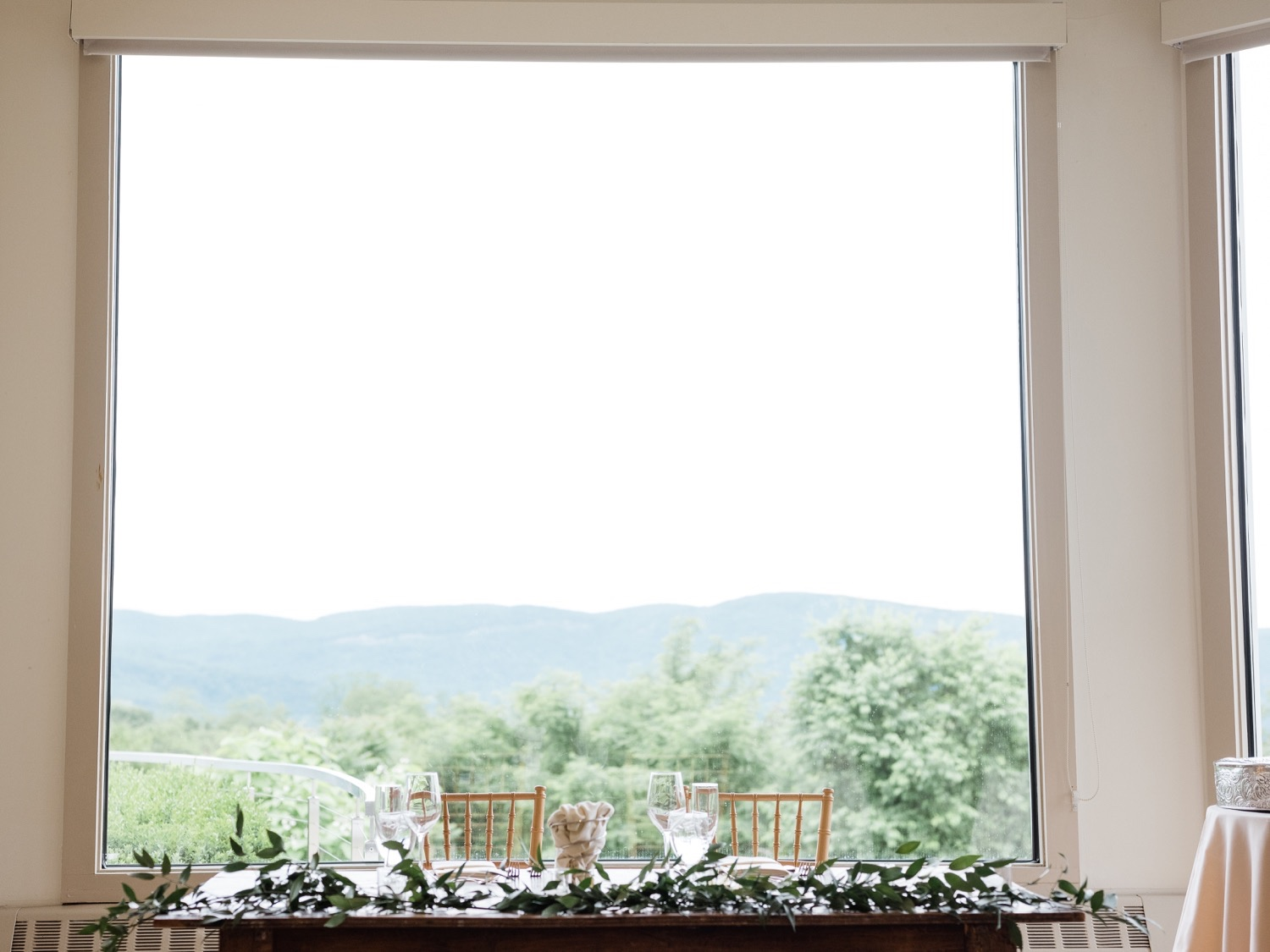 The Garrison Wedding, The Garrison venue, Hudson Valley wedding, hudson valley wedding photographer, catskills wedding photographer, the garrison wedding photos, best catskills wedding photographer, dinner ideas, greenery reception, chic modern dinner ideas