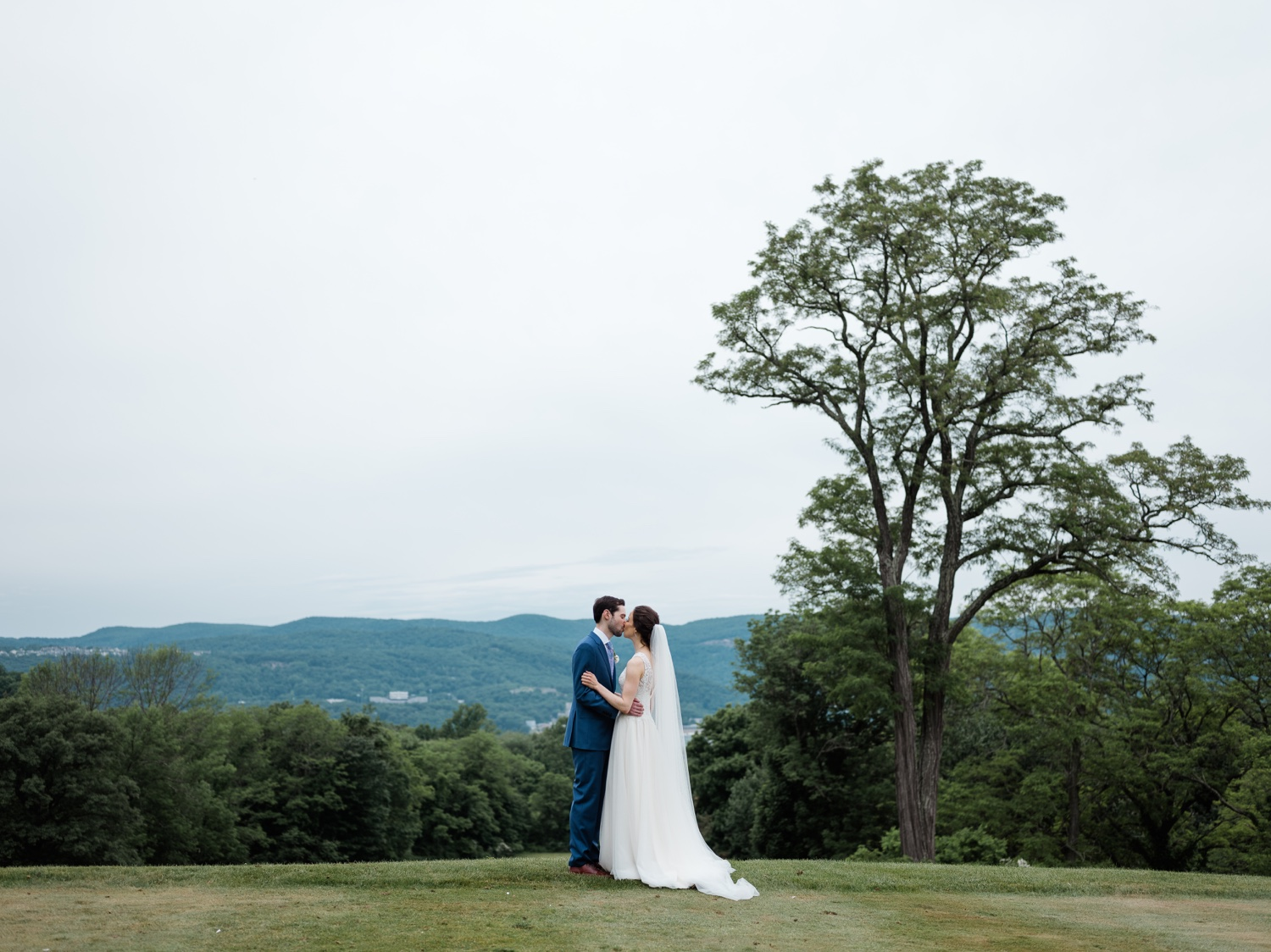 The Garrison, The Garrison Wedding, The Garrison Wedding Photos, Hudson Valley Wedding Photographer, Catskills Wedding Photographer, Best Hudson Valley Wedding Photographer, Lana Zakharina Wedding Dress,