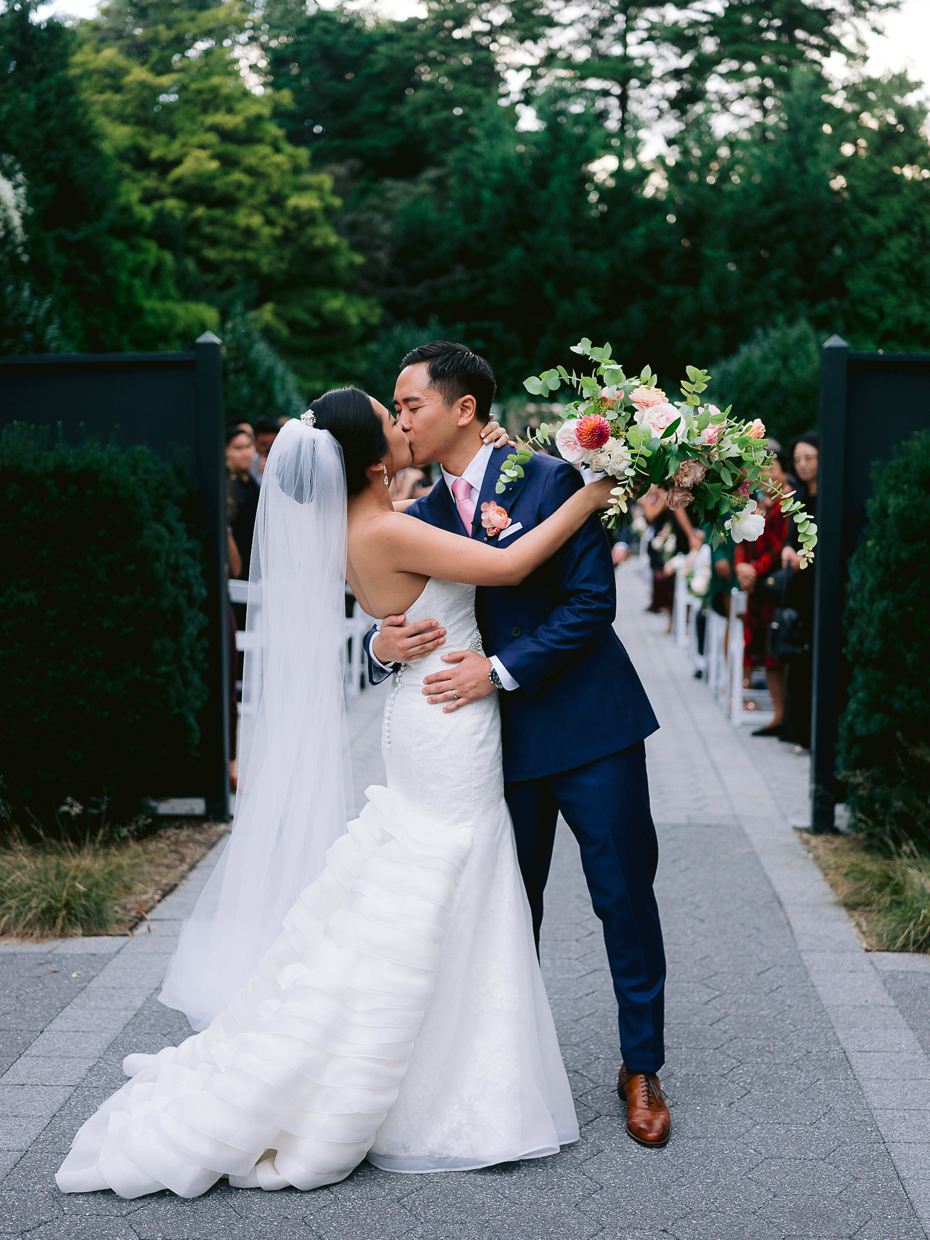 Best-New-York-Botanical-Gardens-Wedding-Photographer-128