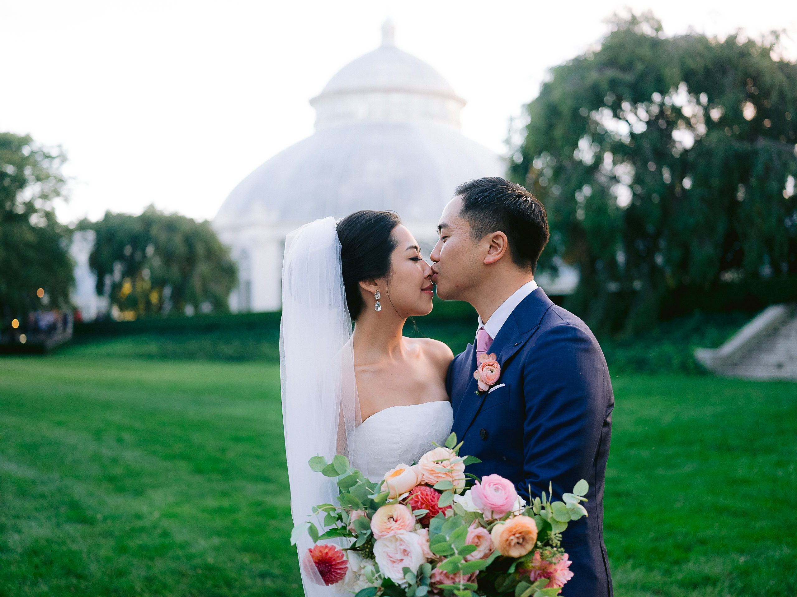 Best-New-York-Botanical-Gardens-Wedding-Photographer-137