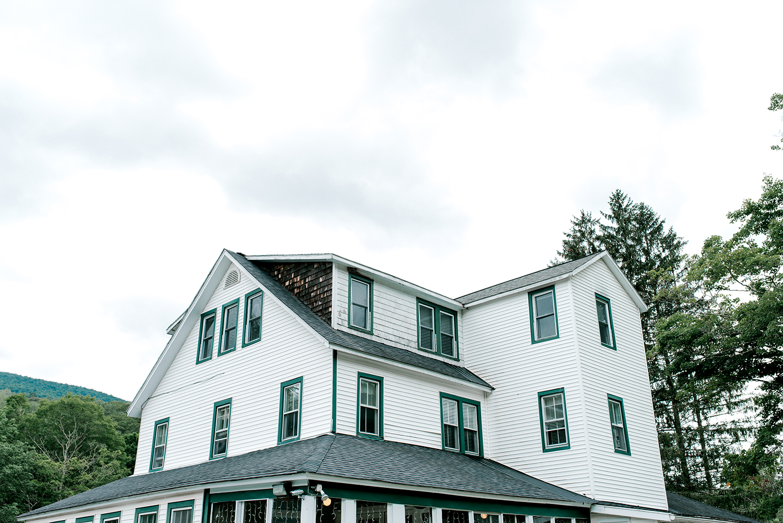 Full-Moon-Resort-Wedding-Catskills-Wedding-Photographer-006