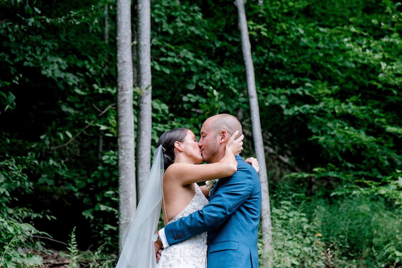 Full-Moon-Resort-Wedding-Catskills-Wedding-Photographer-021