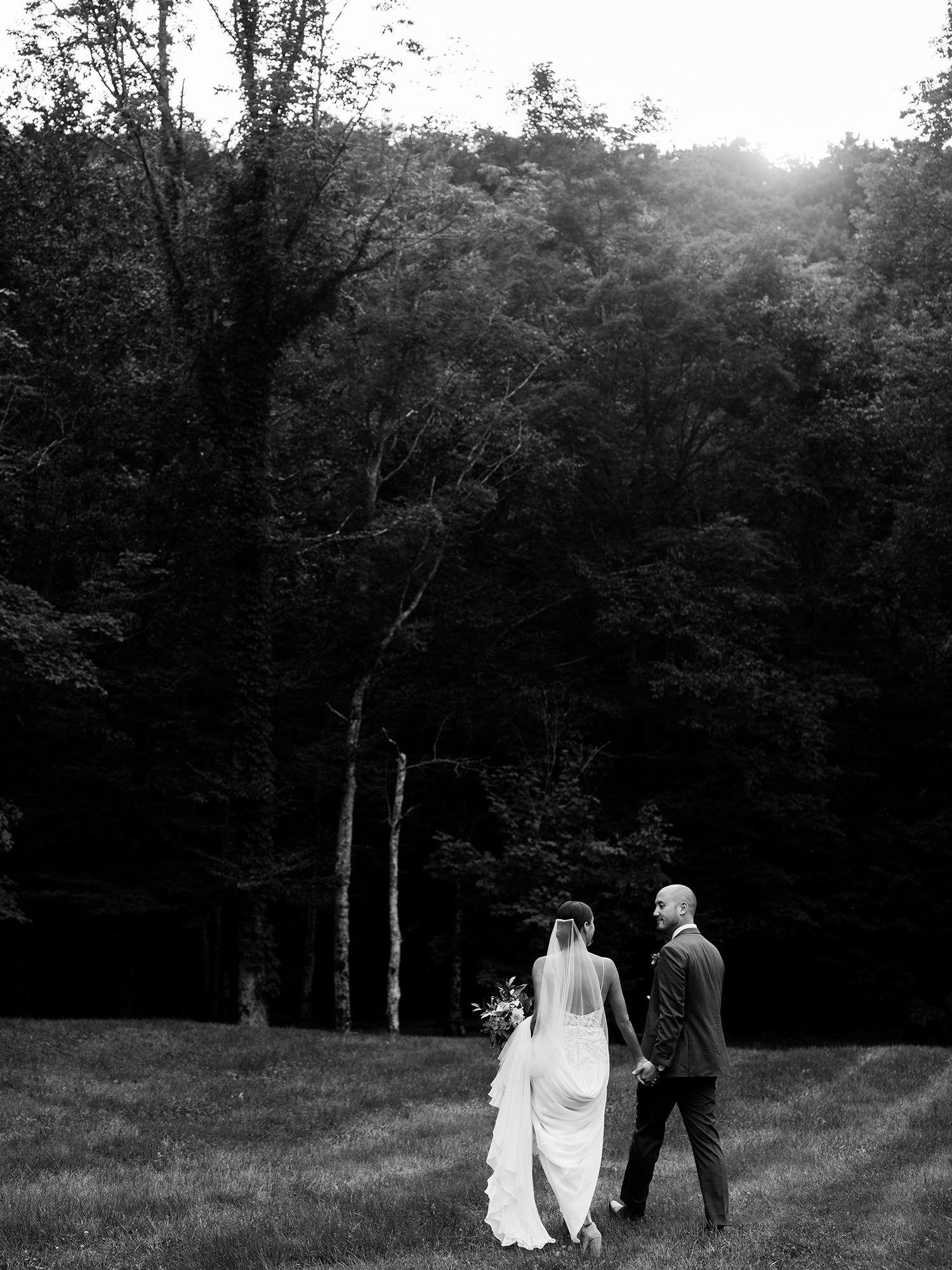 Full-Moon-Resort-Wedding-Catskills-Wedding-Photographer-043