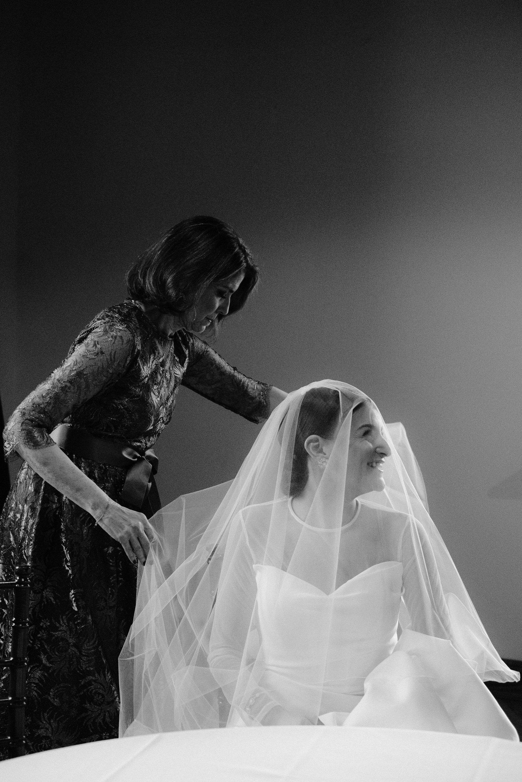 Liberty-Warehouse-Wedding-Brooklyn-Wedding-Photographer-107
